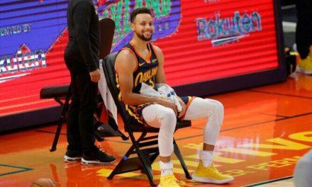 Imparable, Steph Curry ralentizó por … ¡su propio equipo en medio de un partido!