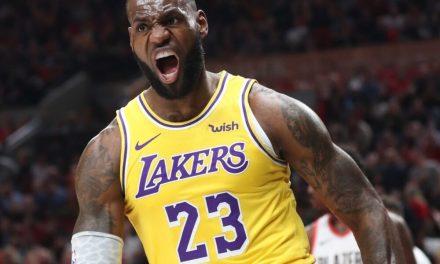 """NBA, LeBron James también se salta Houston: """"No jugaré esta noche"""""""