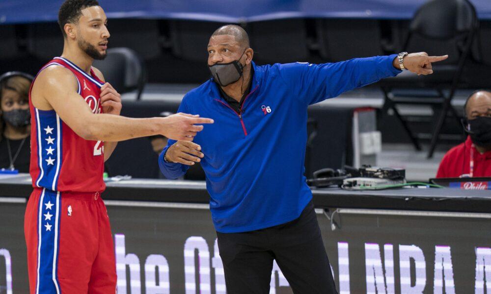 """NBA, Doc Rivers: """"En un futuro cercano, Embiid y Simmons serán MVP y DPOY"""""""