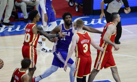 NBA, chispas entre Embiid y Gallinari: doble falta técnica