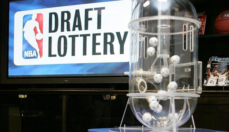 Representantes de los equipos de la NBA para el Draft Lottery 2021
