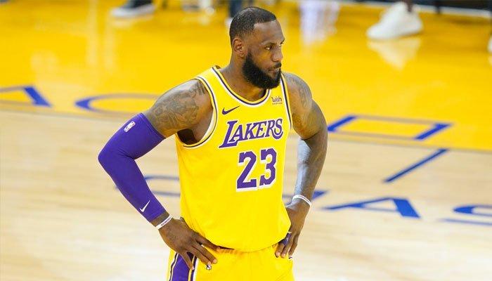 """La leyenda de la WNBA acusa a LeBron de lo peor, su hermana habla de """"preocupaciones mentales graves"""""""
